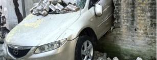 Opkopers Kapotte Mazda Auto's